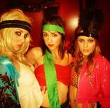 "Alison Brie - TwitPic with ""The Girls"" - Dec 13, 2012"