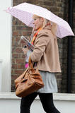 th_26140_Holly_Willoughby_Rainy_Day_Candids_031108_007_122_391lo.jpg