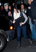 th 460772872 SG1 122 445lo Selena Gomez, leaving her hotel in Manhattan   31/12/11